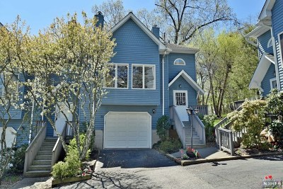 Nyack Condo/Townhouse For Sale: 22 Village Gate #22