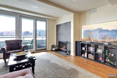 Weehawken NJ Condo/Townhouse For Sale: $575,000