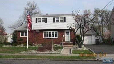 Totowa Single Family Home For Sale: 19 Sutton Avenue