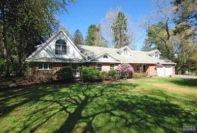 Closter Single Family Home For Sale: 118 Knickerbocker Road