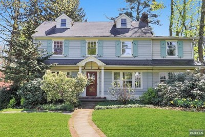Ridgewood Single Family Home For Sale: 17 North Irving Street