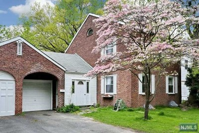 Fair Lawn Single Family Home For Sale: 12 Brearly Crescent