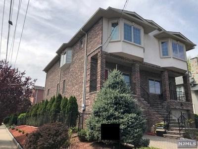 Cliffside Park Condo/Townhouse For Sale: 32 Washington Avenue