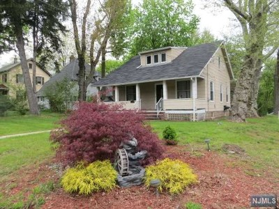 Closter Single Family Home For Sale: 449 Closter Dock Road