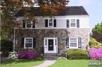 Ridgewood Single Family Home For Sale: 32 Reynen Court