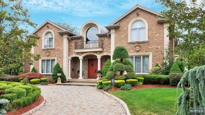 Englewood Cliffs Single Family Home For Sale: 26 Carol Drive