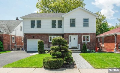 Fort Lee Single Family Home For Sale: 264 Elsmere Place