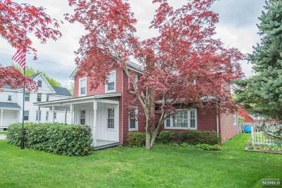 Wanaque Single Family Home For Sale: 477 Ringwood Avenue