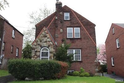 Hackensack Single Family Home For Sale: 419 Sutton Avenue