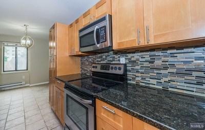 Hackensack Condo/Townhouse For Sale: 307 Prospect Avenue #4i