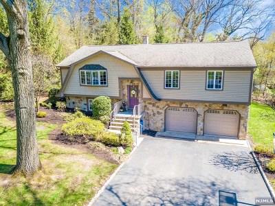 Franklin Lakes Single Family Home For Sale: 241 Hidden Glen Court