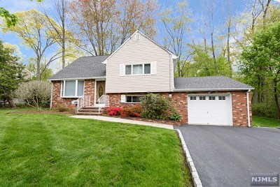 Waldwick Single Family Home For Sale: 69 White Pond Road