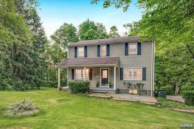 Wyckoff Single Family Home For Sale: 271 Cedar Hill Avenue