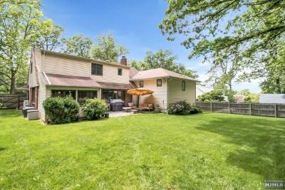 Englewood Single Family Home For Sale: 301 Walton Street