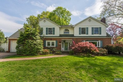 Oradell Single Family Home For Sale: 516 1st Street