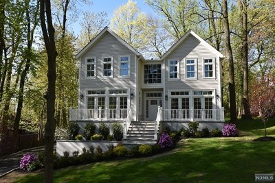 Essex County Single Family Home For Sale: 3 Briar Hill Road