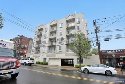 Fairview Condo/Townhouse For Sale: 320 Anderson Avenue #1c