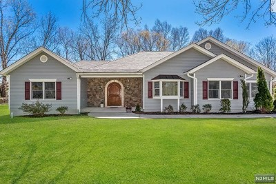 Morris County Single Family Home For Sale: 38 Sanders Place