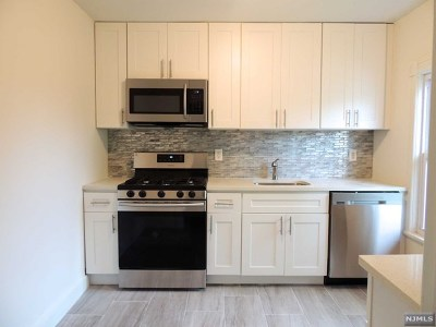 Rental For Rent: 21 Grove Avenue #2nd Floo