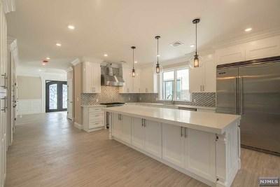 Cliffside Park Single Family Home For Sale: 59 Riverview Avenue