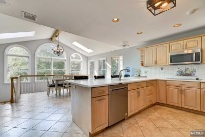 Wyckoff Single Family Home For Sale: 386 West Shore Drive
