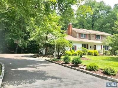 Wayne Single Family Home For Sale: 15 Pontiac Drive