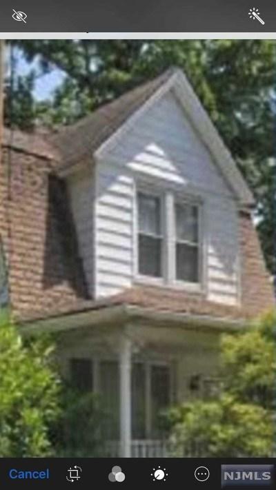 Dumont Single Family Home For Sale: 373 Washington Avenue