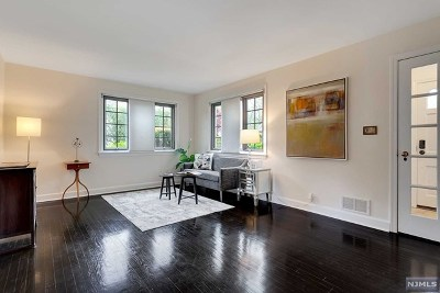 Tenafly Single Family Home For Sale: 14 Day Avenue