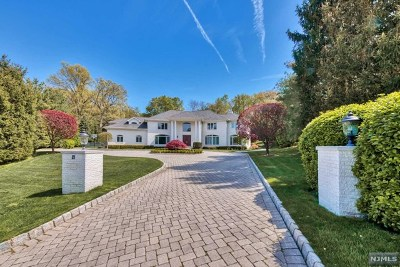 Cresskill Single Family Home For Sale: 23 North Pond Road