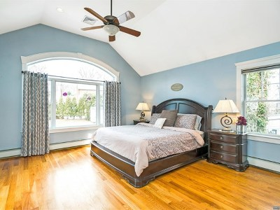 Waldwick Single Family Home For Sale: 53 East Prospect Street