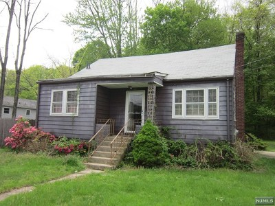 Wanaque Single Family Home For Sale: 78 Greenwood Avenue