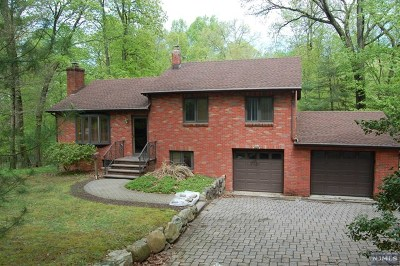 Oakland Single Family Home For Sale: 146 Breakneck Road