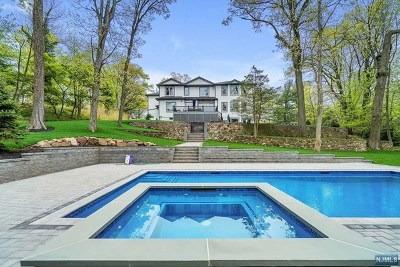 Tenafly Single Family Home For Sale: 38 Ridge Road