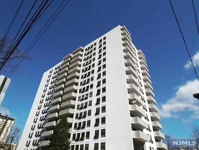 Fort Lee Condo/Townhouse For Sale: 1600 Center Avenue #9h