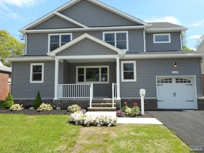 Fair Lawn Single Family Home For Sale: 17-07 Hunter Place