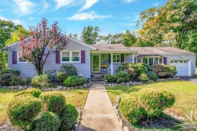 Franklin Lakes Single Family Home For Sale: 734 Lawlins Road