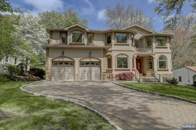 Paramus Single Family Home For Sale: 187 Concord Drive