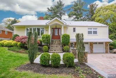 Ridgewood Single Family Home For Sale: 508 Lincoln Avenue