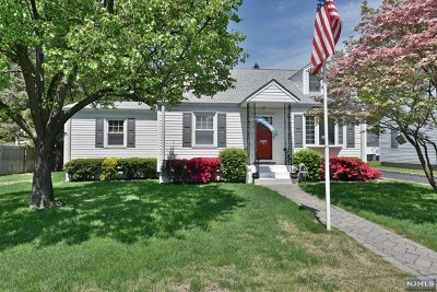 Mahwah Single Family Home For Sale: 20 1st Street