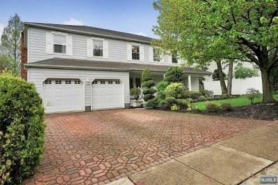Leonia Single Family Home For Sale: 341 Vreeland Avenue