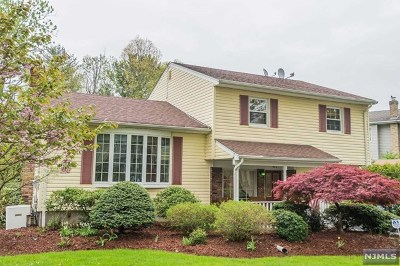 Clifton Single Family Home For Sale: 47 Rutgers Place