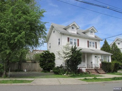 Pompton Lakes Single Family Home For Sale: 26 Howard Street