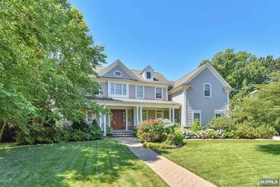 Englewood Cliffs Single Family Home For Sale: 10 Van Wagoner Drive