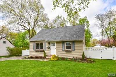 Waldwick Single Family Home For Sale: 5 Roberta Lane