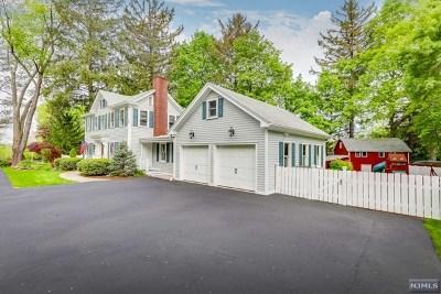 Oakland Single Family Home For Sale: 73 Franklin Avenue