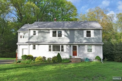 Wyckoff Single Family Home For Sale: 254 Wilson Place
