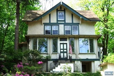 Pompton Lakes Single Family Home For Sale: 24 Summit Avenue