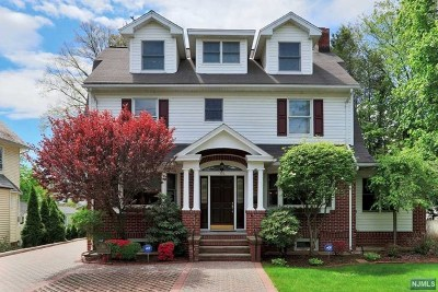 Ridgewood Single Family Home For Sale: 516 Linwood Avenue