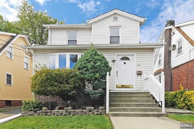 Cliffside Park Single Family Home For Sale: 44 Oakdene Avenue