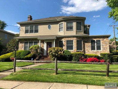 Teaneck Single Family Home For Sale: 433 Ogden Avenue